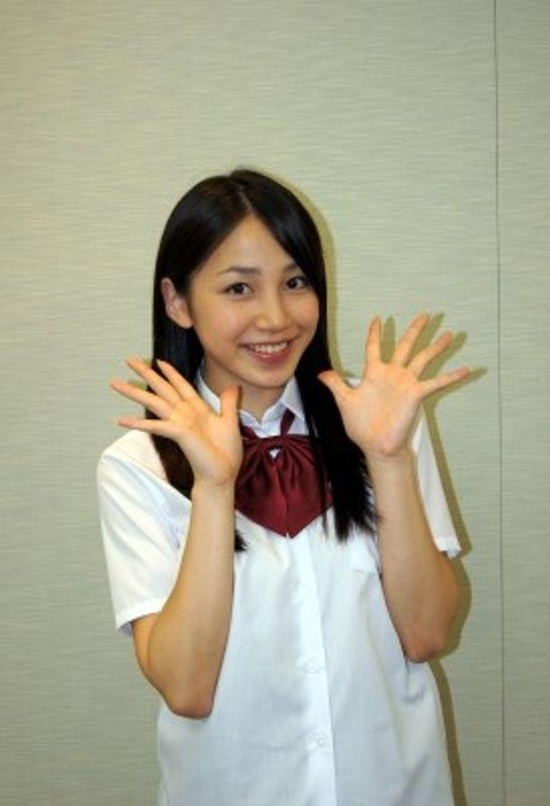 吉川友は本格的なチアダンスに挑戦!
