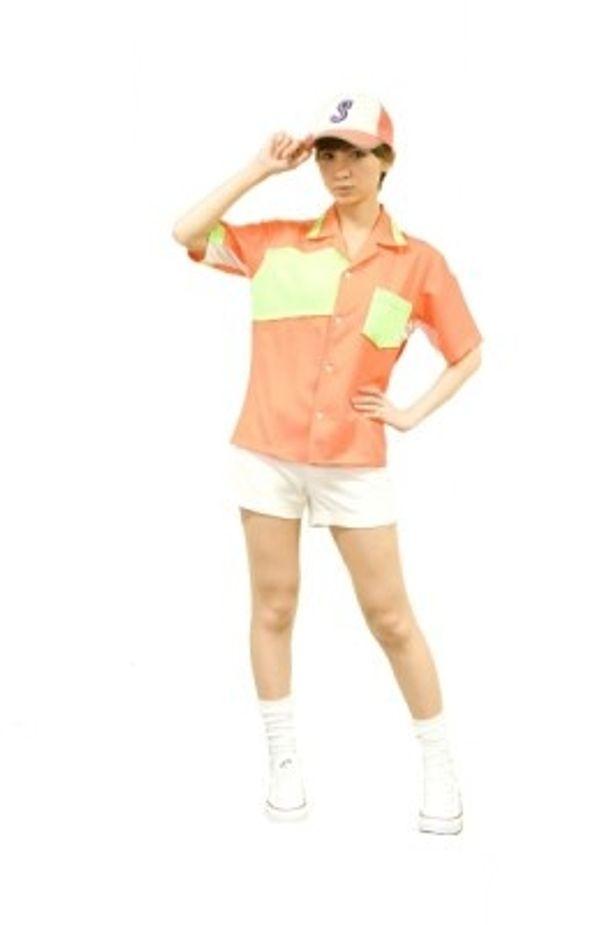 『サラリーマンNEO 劇場版(笑)』でビールガールのコスプレを披露するAKB48篠田麻里子