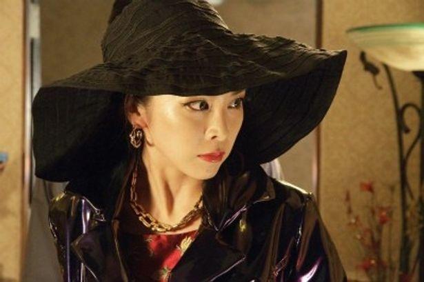 竹内結子は日野風子と矢部鈴子の二役を演じた