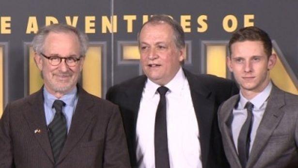 『タンタンの冒険 ユニコーン号の秘密』ベルギープレミアに登場した、左から、スピルバーグ監督、レッテリ、ジェイミー