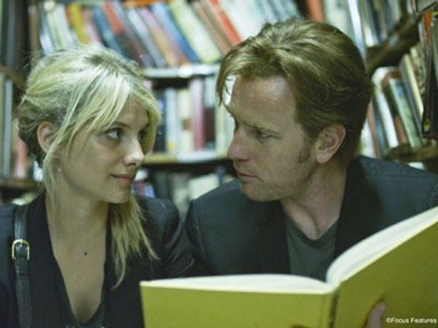 『人生はビギナーズ』では恋愛に臆病なアラフォー独身の役に