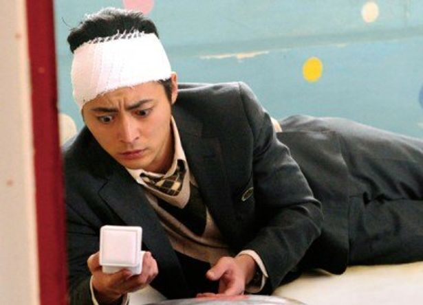 山田が演じるのは、記憶をなくした気弱な主人公・片山輝彦