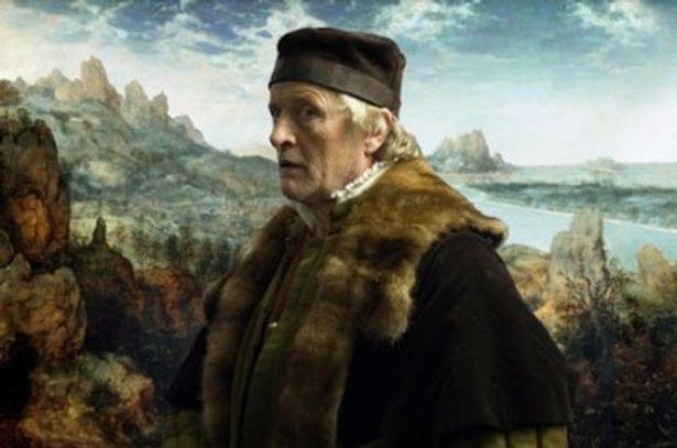 『ブレードランナー』(82)で敵のレプリカントを演じた個性派俳優ルトガー・ハウアーが案内人のブリューゲルに