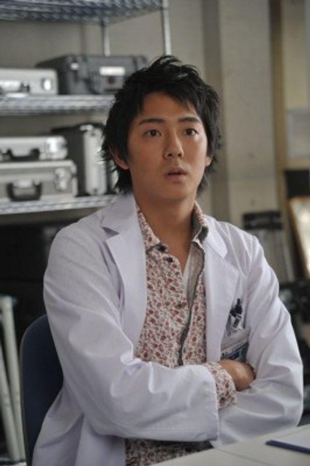科捜研に新メンバー入りする長田成哉演じる相馬涼