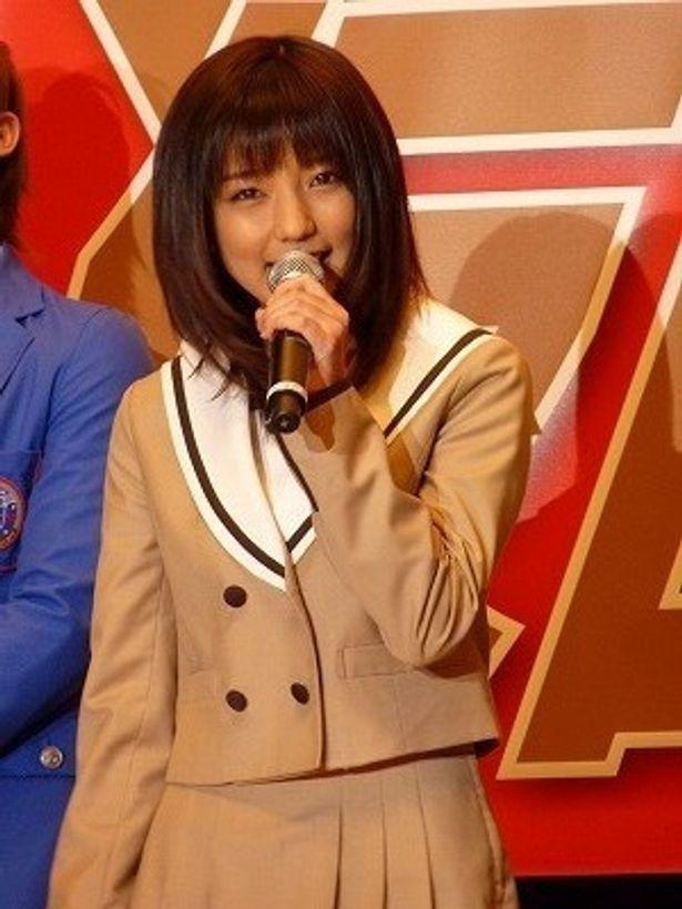 女子高生ライダーのなでしこを演じた真野恵里菜