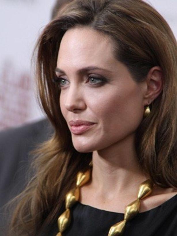 ゴールデングローブ賞の外国語映画賞にノミネートされたアンジェリーナ・ジョリー