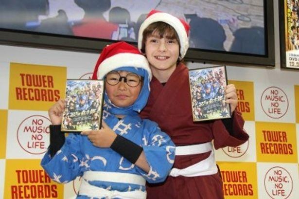 DVD発売記念イベントに参加した加藤清史郎とミゲル・ゲレイロ