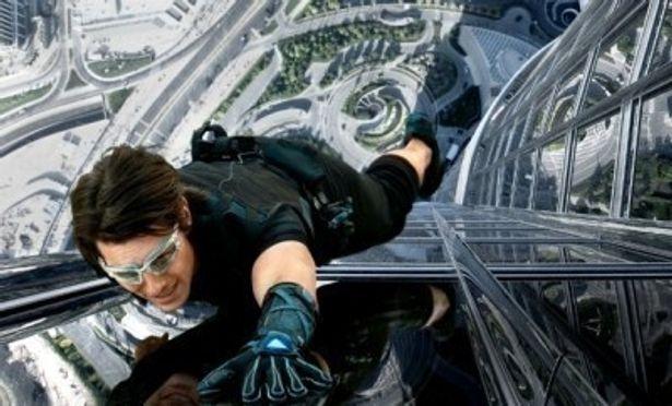 2011年最後の大作『M:I4』の好発進の一方で、映画観客動員数は過去最低だった1995年に次ぐ低い数字に