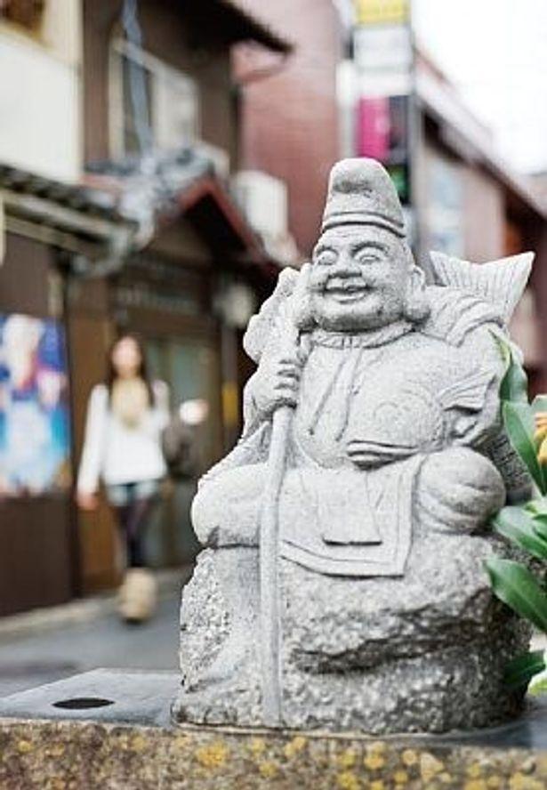 写真の恵比須さんは「宝くじが当たる」という噂で人気がある佐賀の「ゆめこい恵比須」
