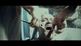 拷問、強姦、殺人の嵐! フセインの息子と影武者を描いた『デビルズ・ダブル』衝撃の18禁描写の実態は?