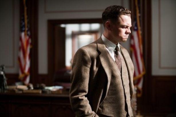 アメリカの影の独裁者、ジョン・エドガー・フーバーを演じるレオナルド・ディカプリオ