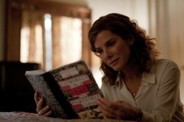 悲しみを抱える母親役を演じるサンドラ・ブロック