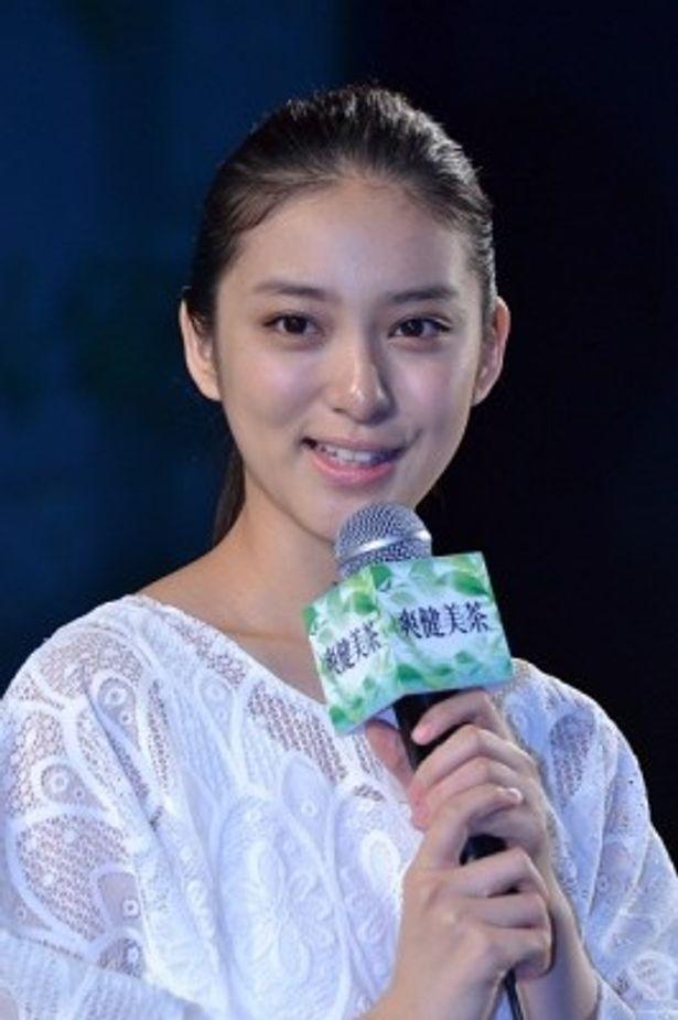昨年に続き「爽健美茶」のブランドセレブリティを務める武井咲さん