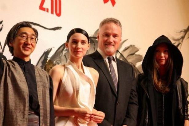 『ドラゴン・タトゥーの女』のジャパンプレミアで新星ルーニー・マーラとデヴィッド・フィンチャー監督が来日