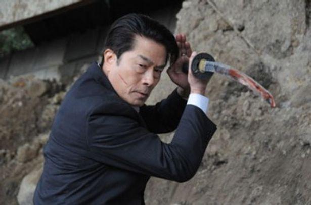 日本刀でヴァンパイアを次から次へと叩き斬っていく姿が格好良い!