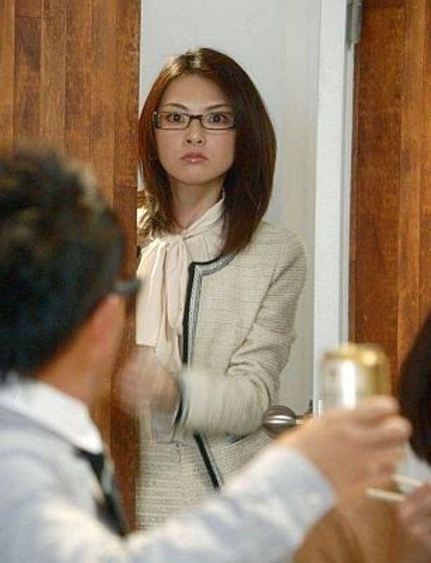 「サッポロ プレミアムアルコールフリー」の新CMで秘書役を演じる田中麗奈さん