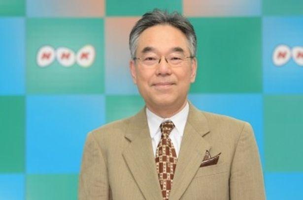 「明日へ 支えあおう ~東日本大震災から1年」のキャスターを務める三宅民夫アナウンサー