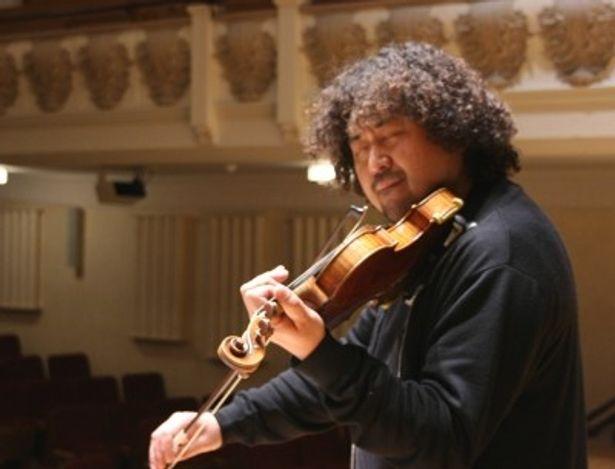震災から1年を迎える3月11日に、葉加瀬太郎がロンドンからあの名曲を生演奏する