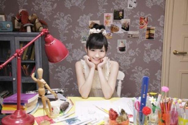 AKB48の渡辺麻友、ソロデビュー日に初の生ライブ&生配信!