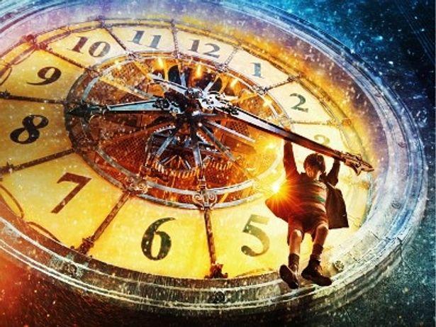 時計台のアクションシーンはドキドキハラハラ