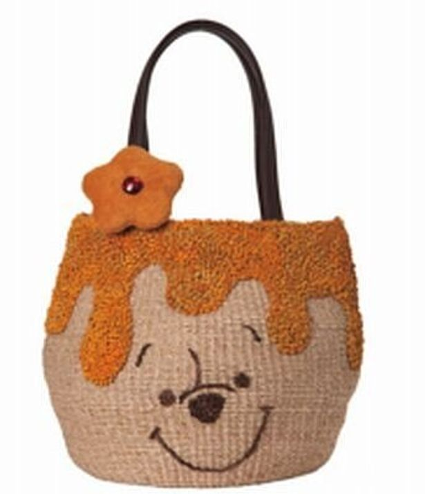 サマンサタバサジャパンリミテッドから発売予定の「くまのプーさん」デザインのバッグ