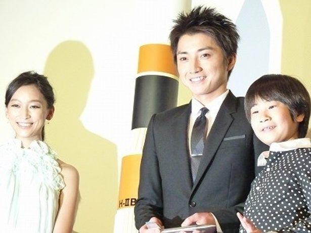 『おかえり、はやぶさ』初日舞台挨拶に登場した藤原竜也、杏、前田旺志郎