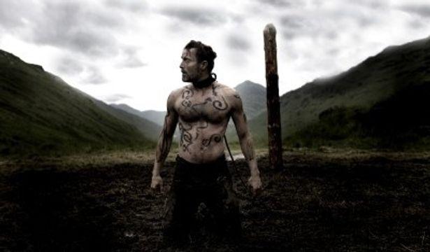 超人的な力を持つ、物言わぬ片目の男ワン・アイの過酷な運命を美しい映像で綴る『ヴァルハラ・ライジング』