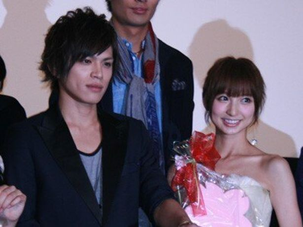 『桜蘭高校ホスト部』のホワイトデイ・スペシャル上映イベントに登壇した、山本裕典、篠田麻里子