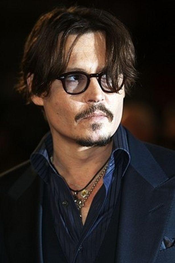 ジョニー・デップ、ファッション界のオスカーでアイコン賞受賞
