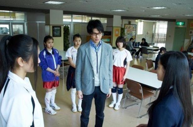 撮影風景が解禁された映画「鈴木先生」