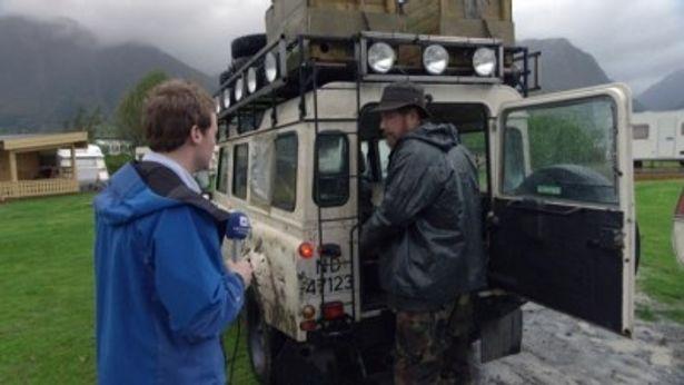 ノルウェーの学生3人が熊の密猟事件を追ったことがきっかけで、トロールの姿を収めることに成功