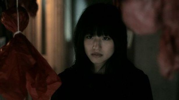 AKB48の仲川遥香も出演している