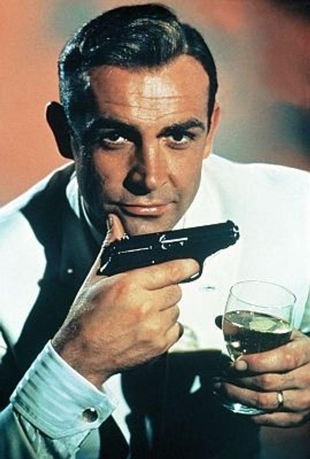 ショーン・コネリーが演じて以来、 マティーニはボンドの象徴になっている