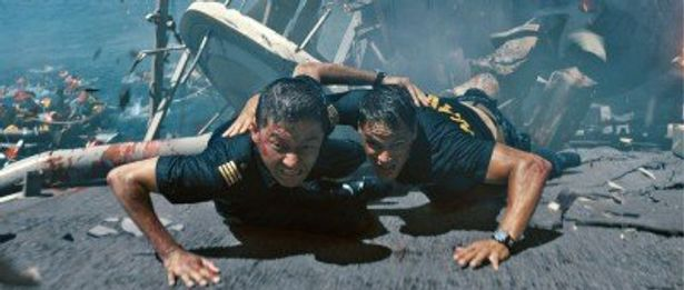 アメリカ海軍や日本自衛官が地球存亡の危機に立ち向かう『バトルシップ』
