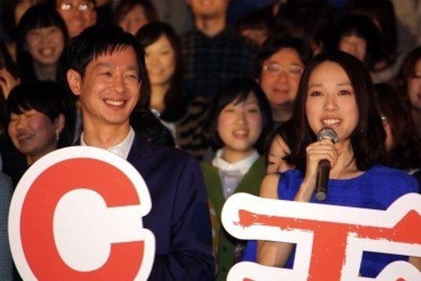 映画「劇場版 SPEC 天」の初日舞台あいさつに登壇した戸田恵梨香&加瀬亮