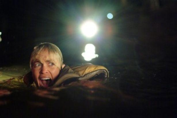 【写真】サム・ワーシントン出演、巨大生物が人間を襲うパニックスリラー『マンイーター』は4月14日(土)より公開