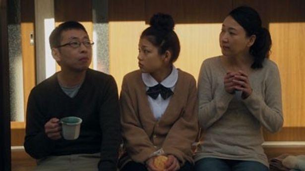 【写真を見る】Dカップグラドルの佐藤睦が主演した10代篇『くちばっか』