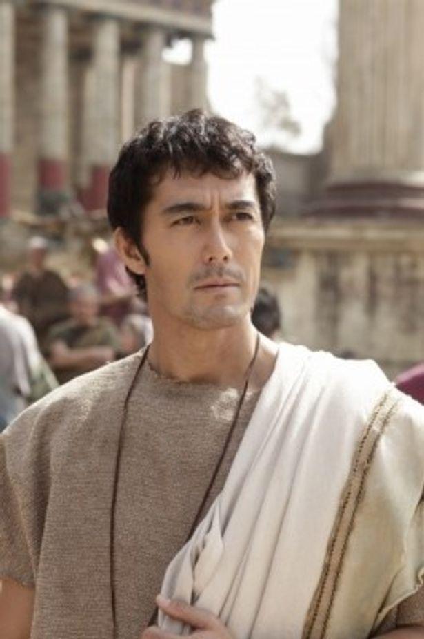 ワールドプレミア上映の『テルマエ・ロマエ』でルシウスを演じるのは阿部寛