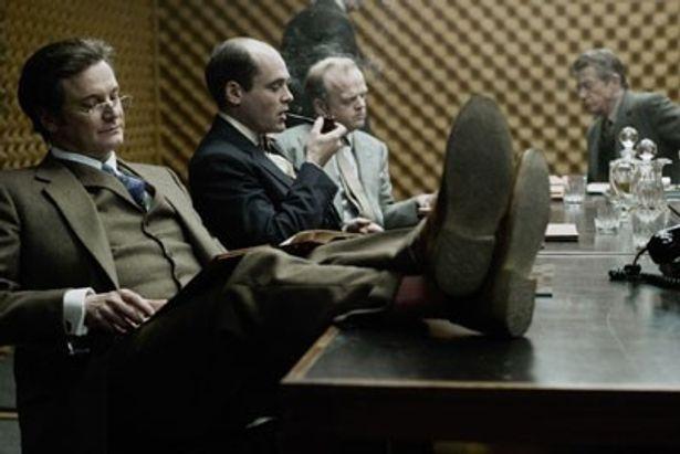 スパイ容疑者であるサーカスの面々。劇中、繰り返し4人の顔が登場するので、見逃さないように