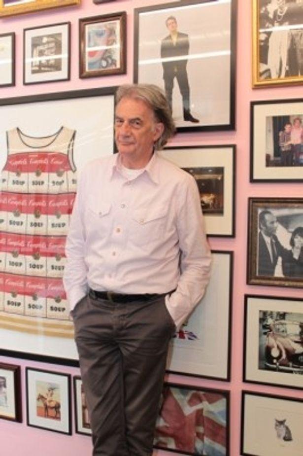 マンUの公式スーツ以外では、故郷のノッティンガム・フォレストFCのスーツも手がけたことがあるという