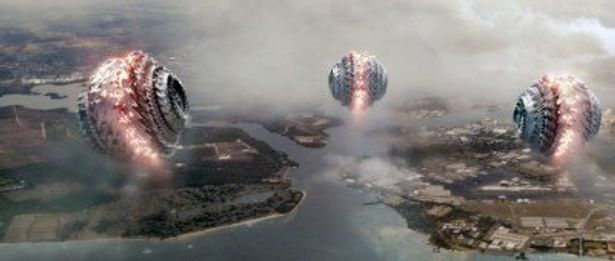 """米軍基地を襲い、容赦なく破壊する通称""""無双ボール"""""""