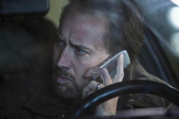 妻が暴行され、苦悩し、どん底に落ちるウィルを演じるニコラス・ケイジ