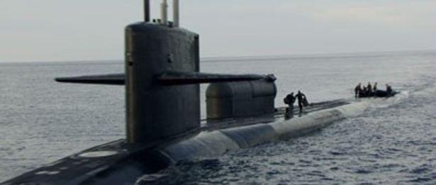 【写真を見る】もちろん潜水艦も本物を使っている