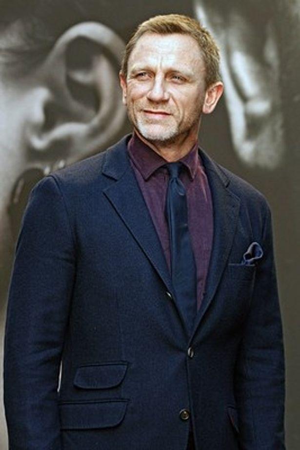007新作で再び海パン姿に!
