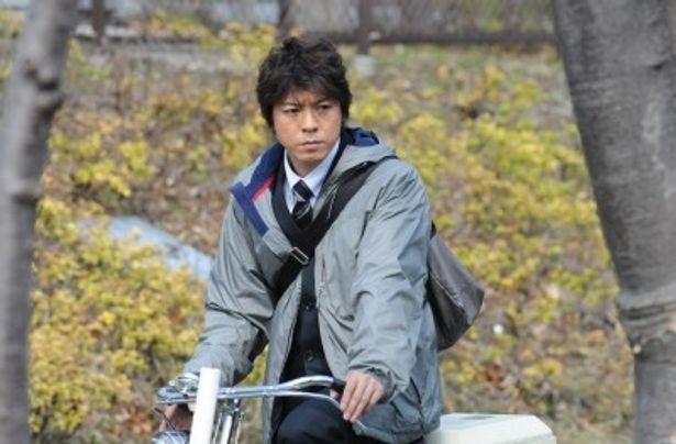 再び不思議なキャラクターの刑事・糸村を演じる上川隆也