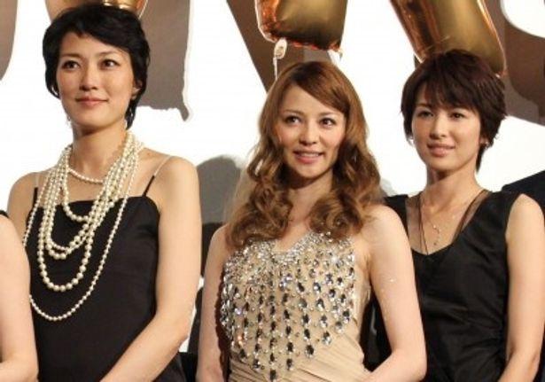 『ガール』初日舞台挨拶に登壇した香里奈、吉瀬美智子、板谷由夏
