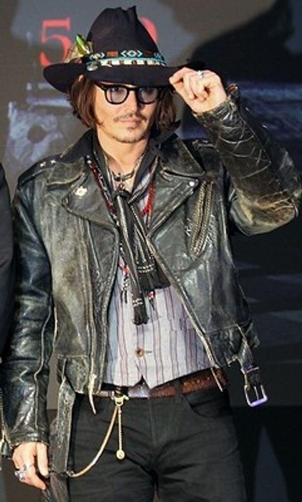 【写真を見る】MTVムービー・アワードでMTVジェネレーション賞を受賞したジョニー・デップ