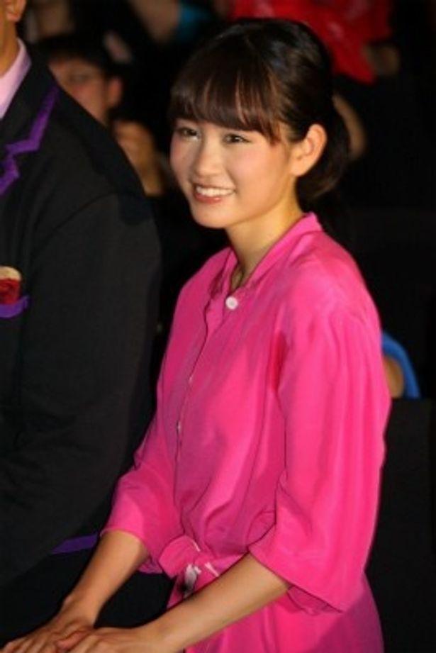 『LOVE まさお君が行く!』の舞台挨拶にシークレットゲストとして登壇した前田敦子