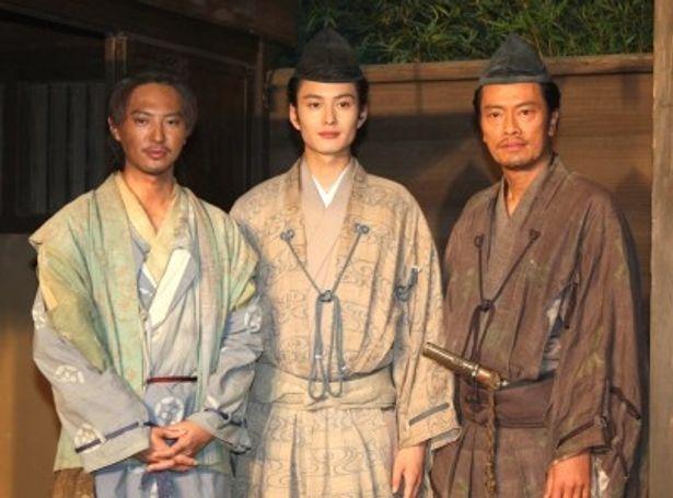 スタジオ取材会に出席した塚本高史、岡田将生、遠藤憲一(写真左から)