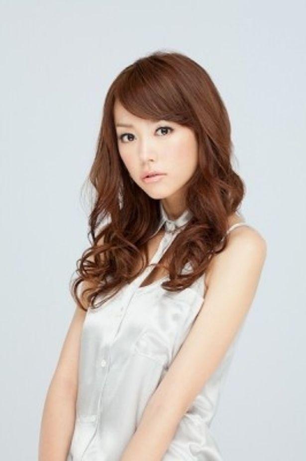 桐谷美玲さんが審査委員長を務める「まつげ美人選手権2012」が開催!